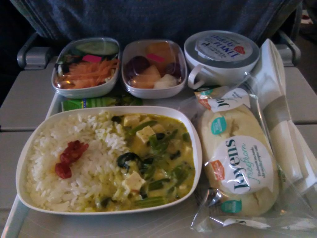 vegan food on emirates